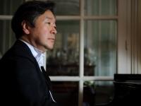 Jun playing the piano